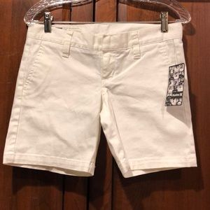 Hurley white lowrider ladies  shorts size 1 NWT